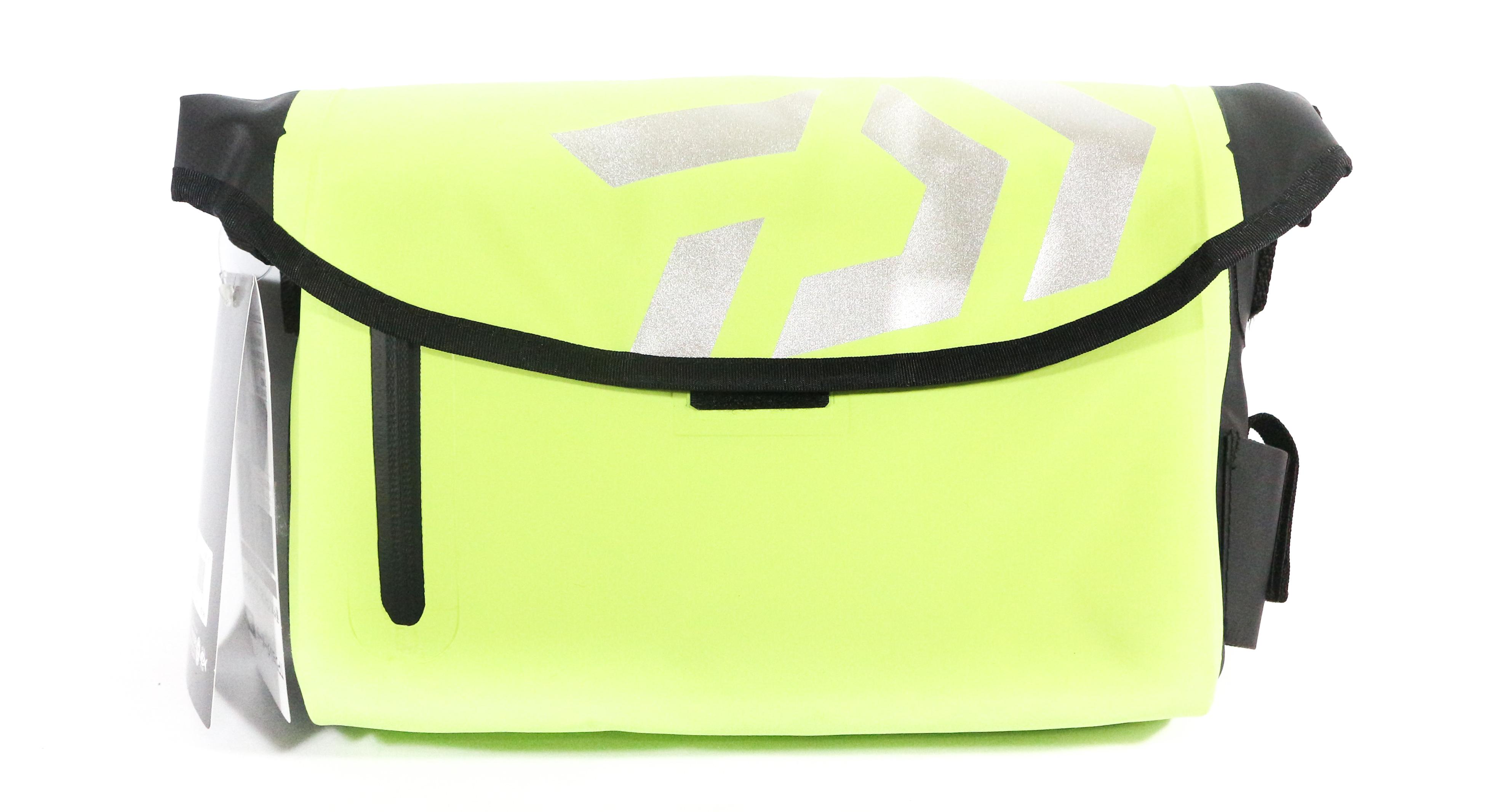 Sale Daiwa Tarpauline Shoulder Pouch 9 x 26 x 20 cm Lime 091527
