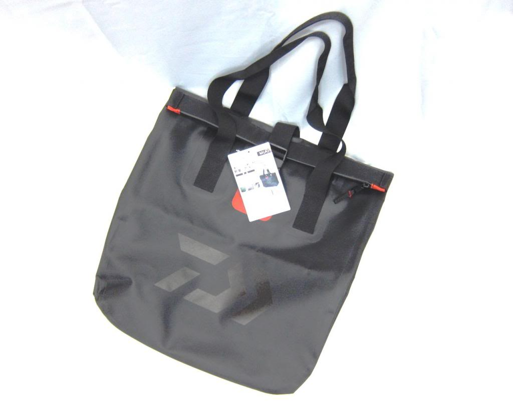 Sale Daiwa Tote Bag Water Proof Size L 20 x 58 x 60 cm 844604
