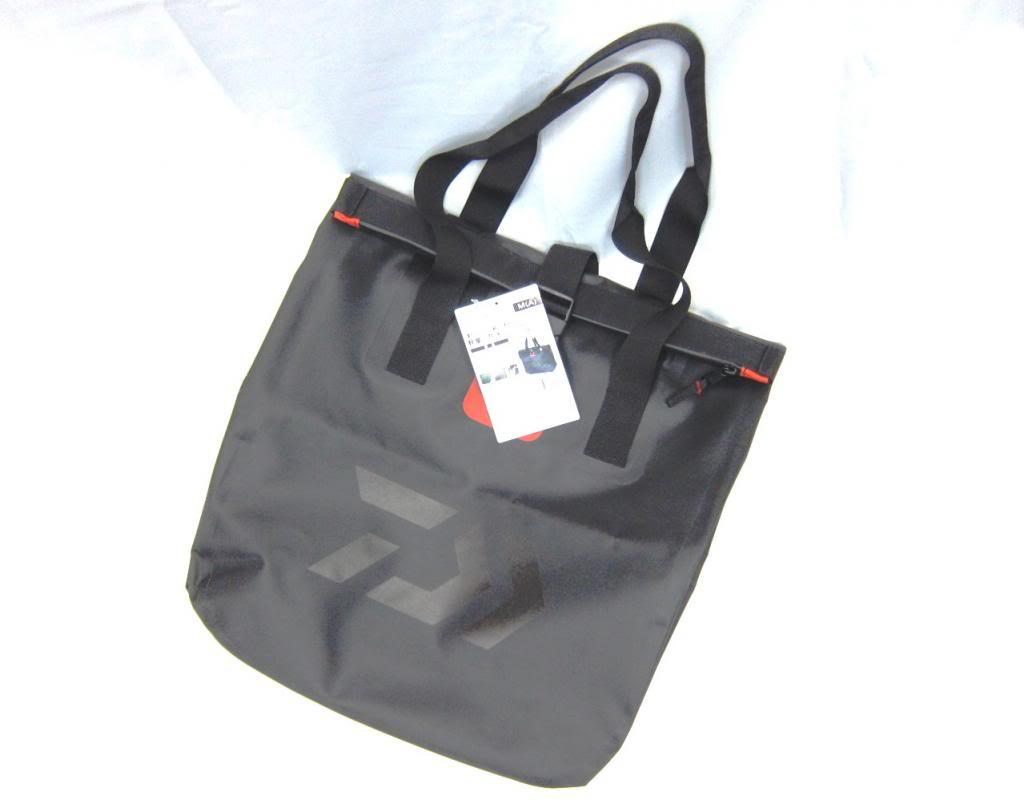 Sale Daiwa Tote Bag Water Proof Size L 20 x 58 x 60 cm 844604