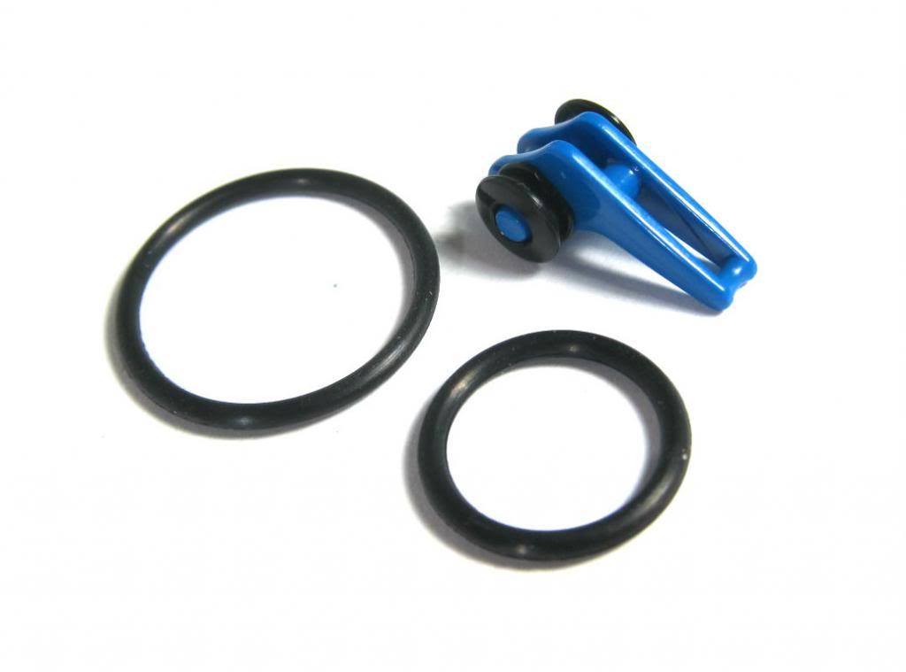 Fuji Adjustable Plastic Hook Keeper Blue (5289)
