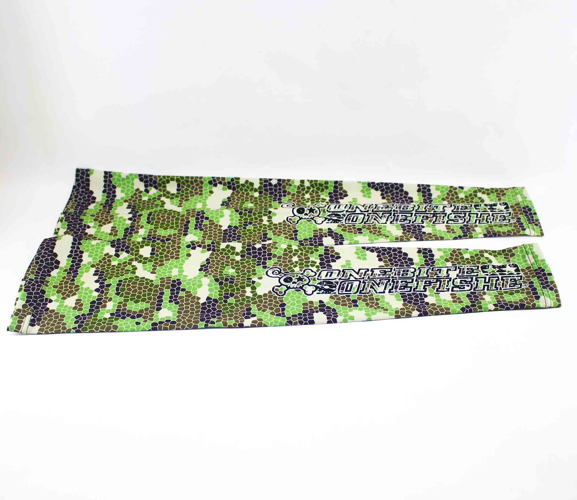 One Bite One Fish OBOF Arm Sleeves Green Camo (0184)